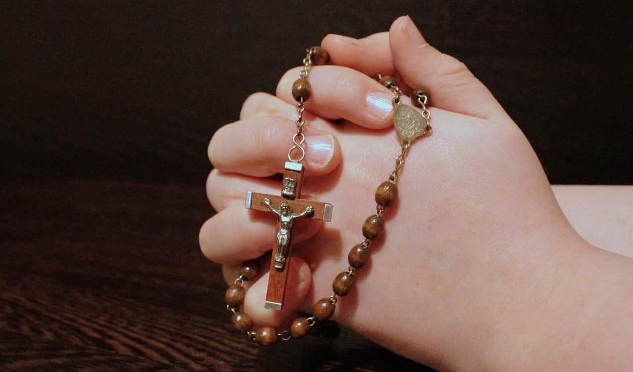 """Oración católica """"Creo en ti, Dios Padre"""""""